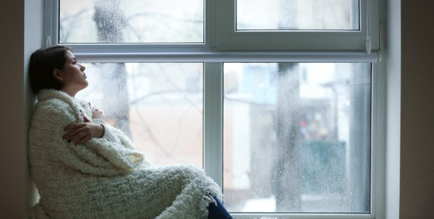 How to Deal with Back Pain in Cold Weather, seasonal depression